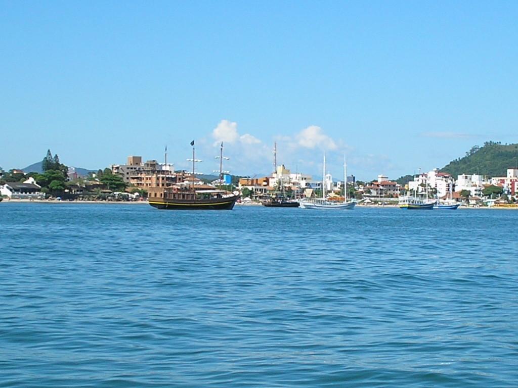 praia-canasvieiras-florianopolis-por-viajando-com-puny