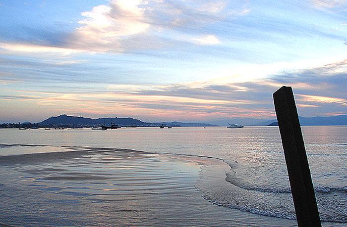 Praia da Cachoeira do Bom Jesus - Florianópolis - por sergiomusica