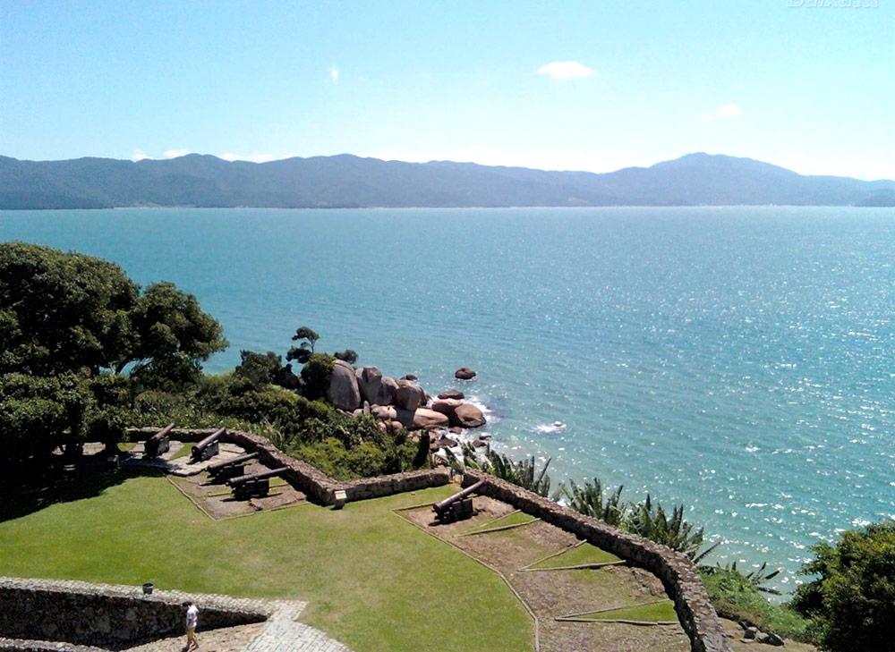 Praia do Forte - Florianópolis - por Gisele da Silva