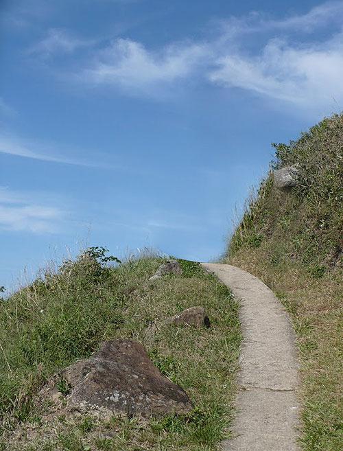 Praia do Saquinho - Florianó - São 30 minutos de caminhada por trilha calçada, de fácil acesso.
