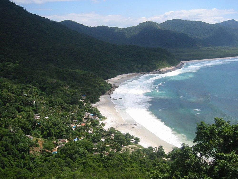 Praia do Aventureiro - Ilha Grande - por angraturismo