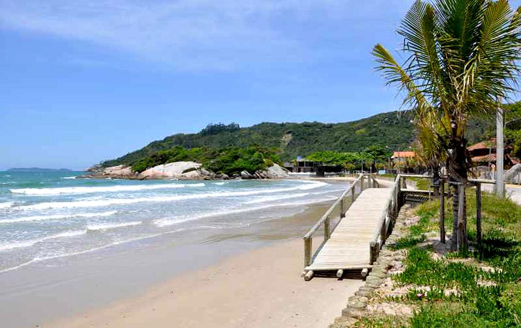 Praia do Canto Grande - Bombinhas - por  praia-canto-grande-bombinhas-por-praias-360-com-br