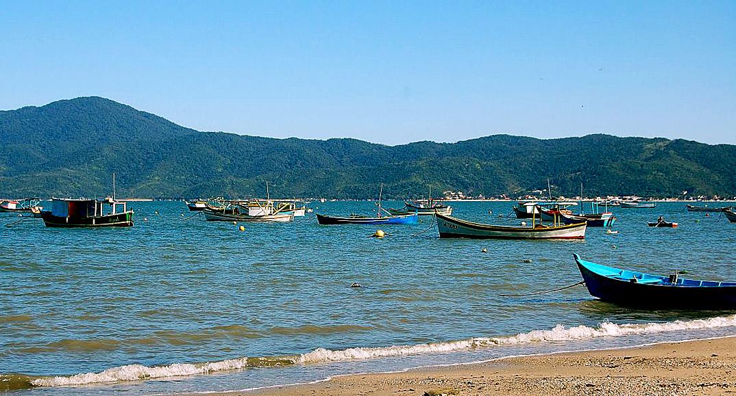 Praia do Canto Grande - Bombinhas - por static-panoramio-com