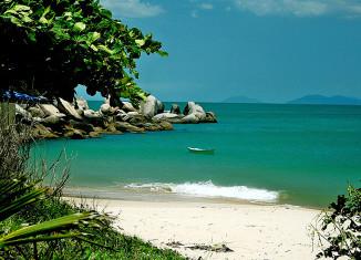 Praia da Tainha – Bombinhas - por pousadaganesh-com-br