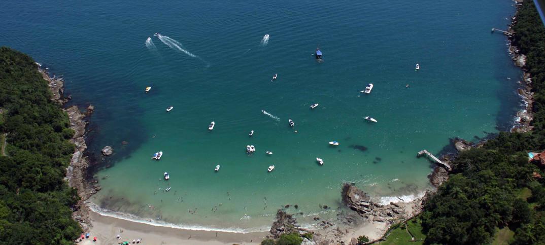 Praia do Estaleiro – Porto Belo - por portobelosc-files-wordpress-com