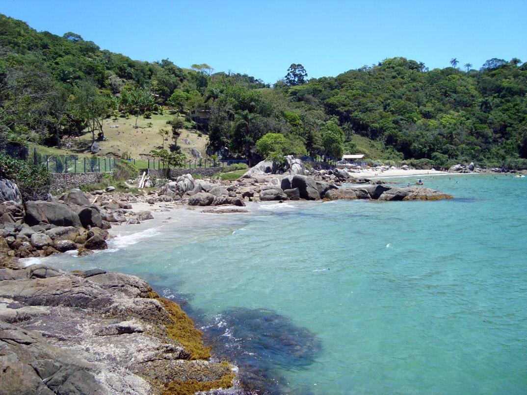 Praia do Estaleiro – Porto Belo - por static-panoramio-com