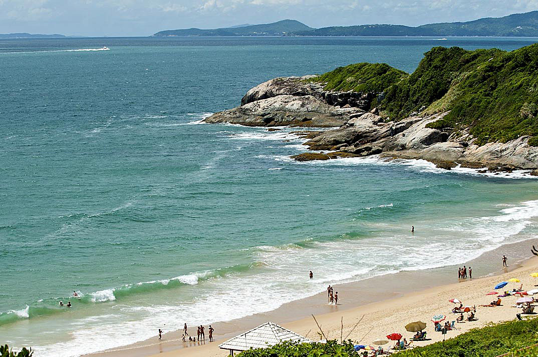 Praia do Pinho – Balneário Camboriú por arquivos-midiaeffects-com-br