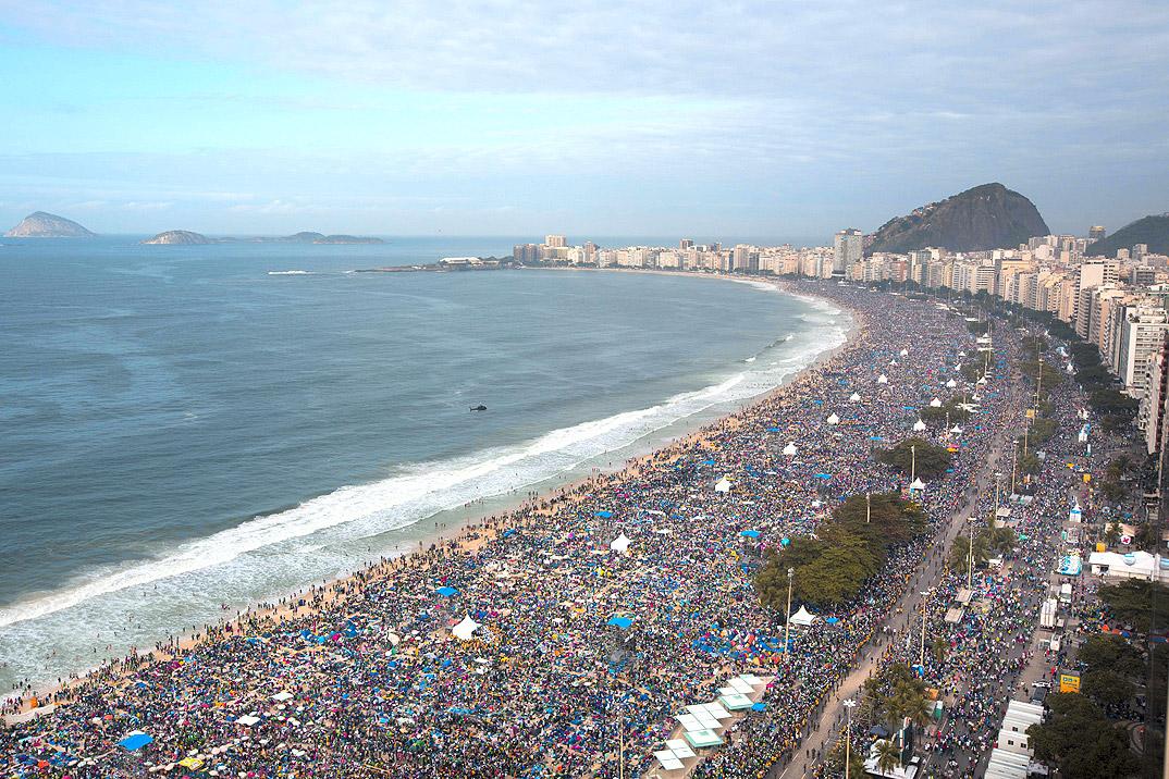 Copacabana - por naplesnews
