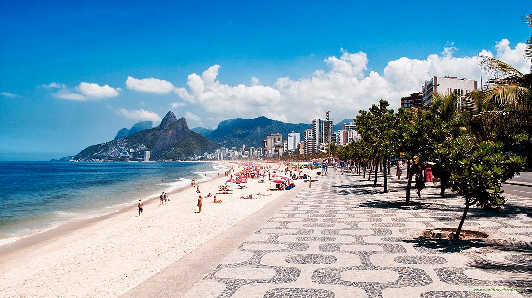 Copacabana - por worldtravelstrip