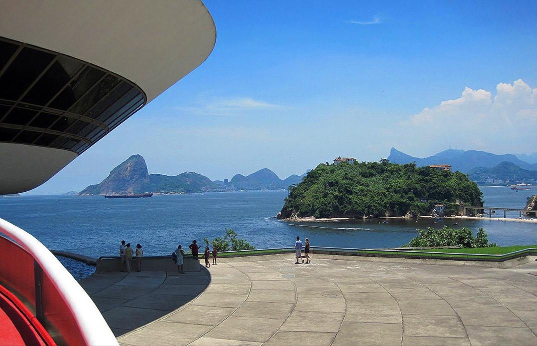 Niteroi - Rio de Janeiro - Museu de Arte Contemporânea de Niterói - Projeto de Oscar Niemeyer