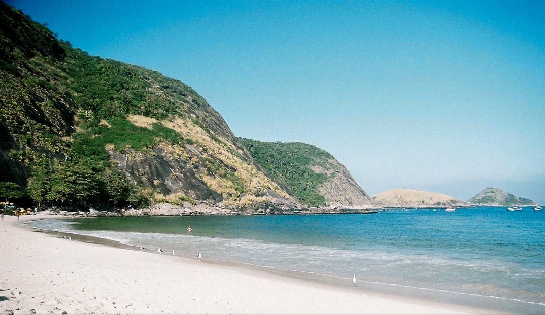 Praia de Itaipu - NIterói - por Zedu