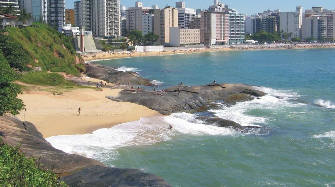 Rochedo na Praia de Guarapari - Espírito Santo