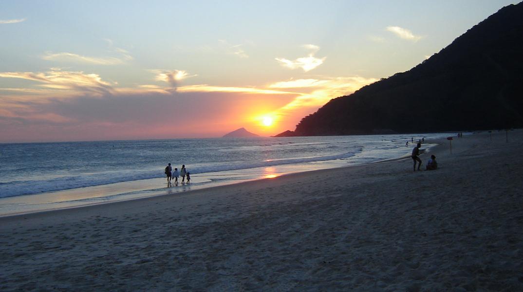 por do sol praia de maresias