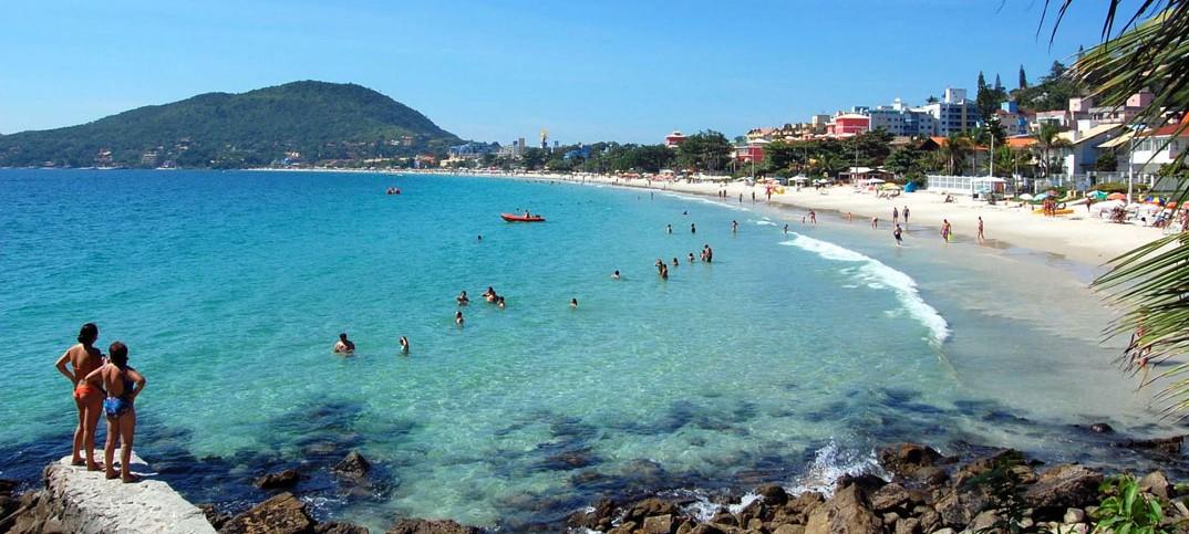 Praia de Bombinha - Bombinhas – SC - por Carlos-Colonetti-Neto