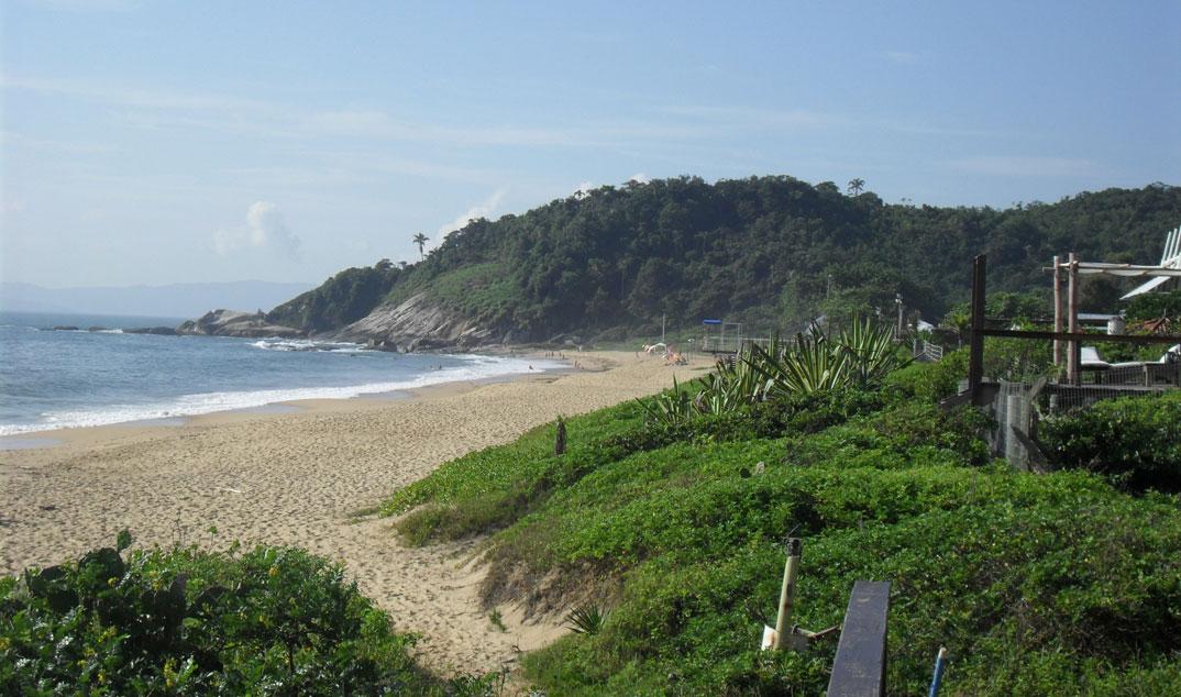 Praia do Estaleirinho - Balneário Camburiú – SC - por VJTI