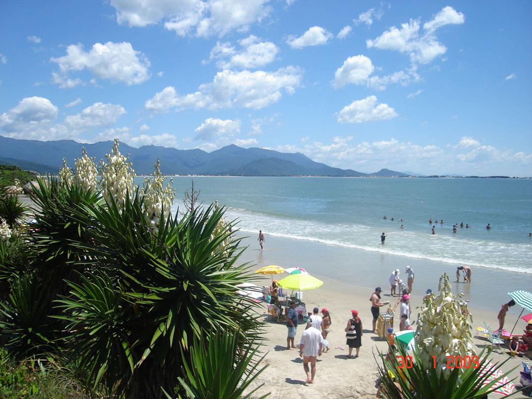 Praias da Guarda do Embaú - SC - por Lucas-de-Oliveira