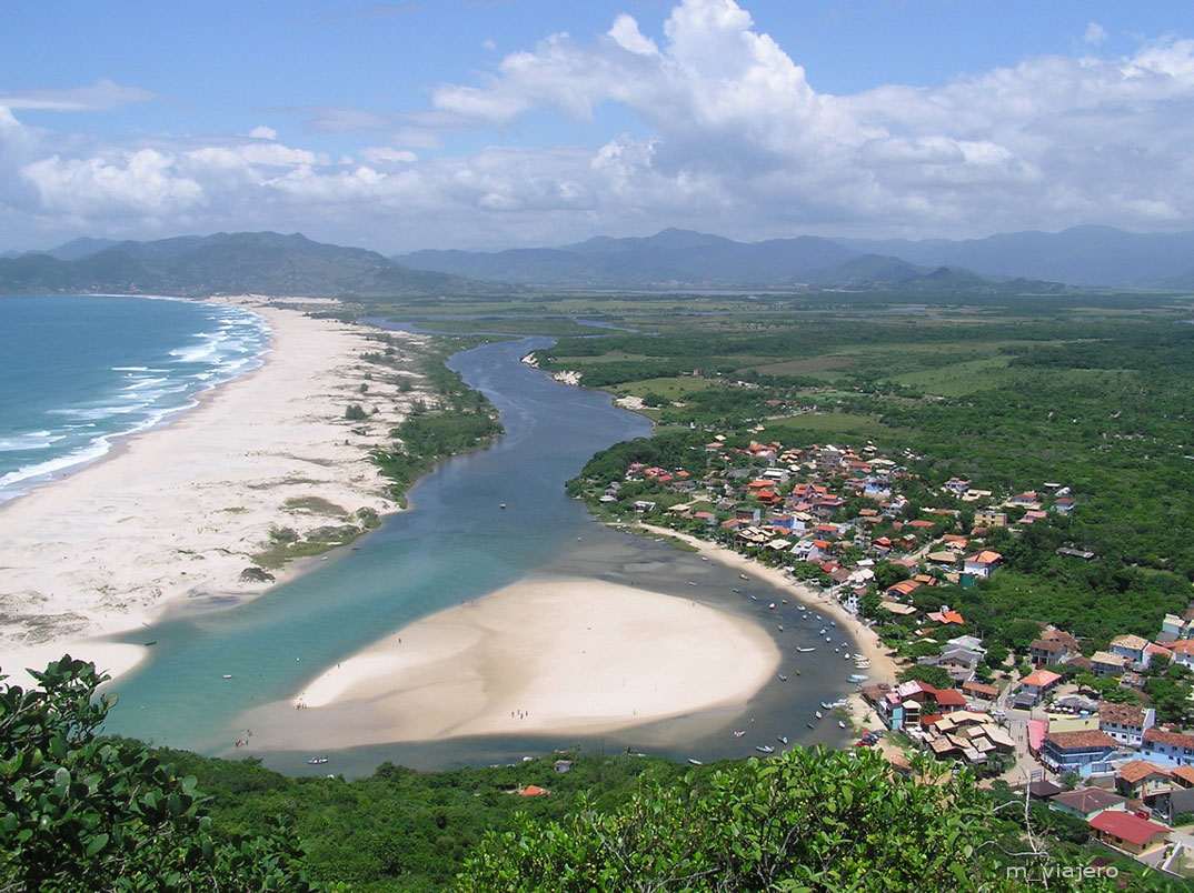 Praias da Guarda do Embaú - SC - por mariano_t
