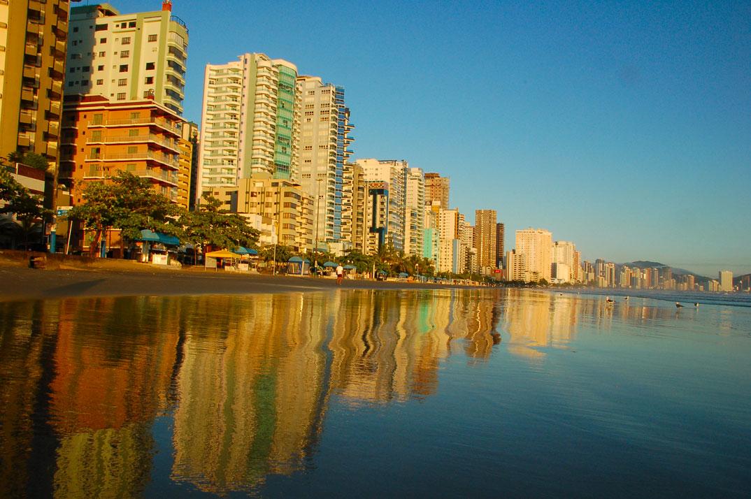 Praias de Balneário Camburiu – SC - por Denise-Costa