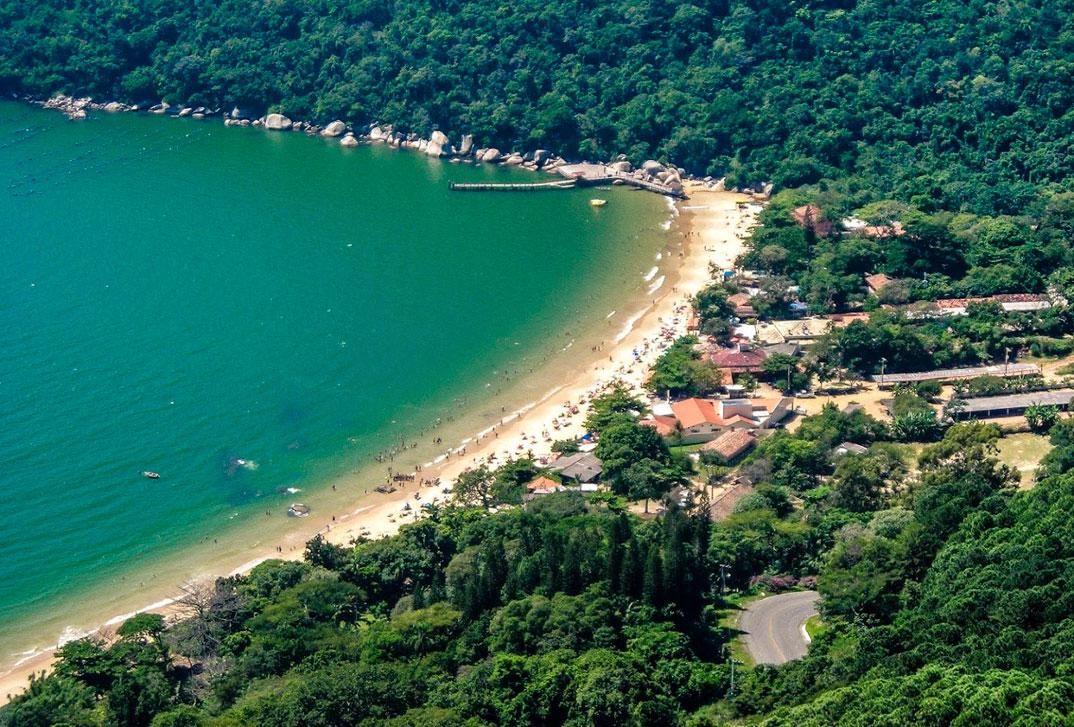 Praias de Balneário Camburiu – SC - por SouthBrazil-Parana