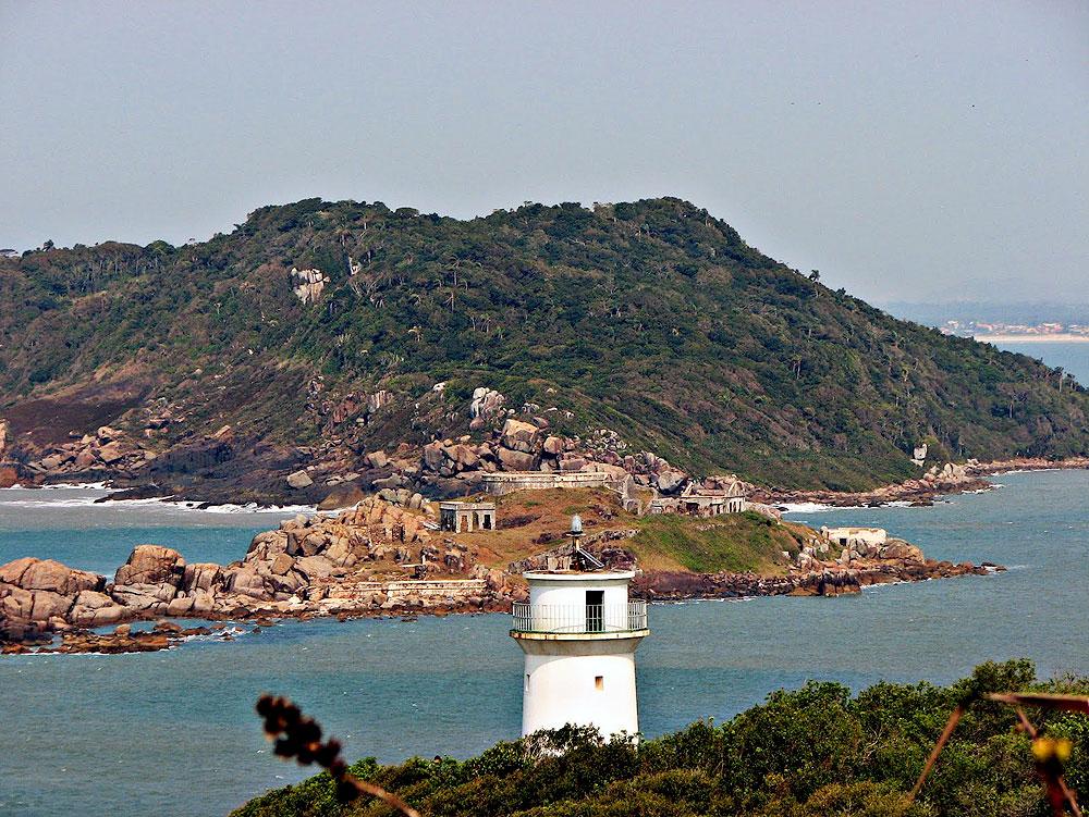 Praia de Naufragados - Florianópolis - por trilhasfloripa
