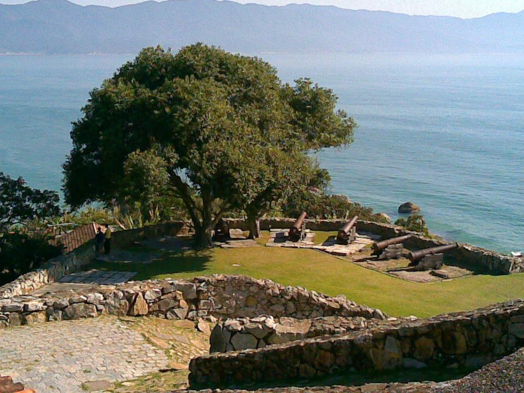 Praia do Forte - Florianópolis - por blog.bomtur