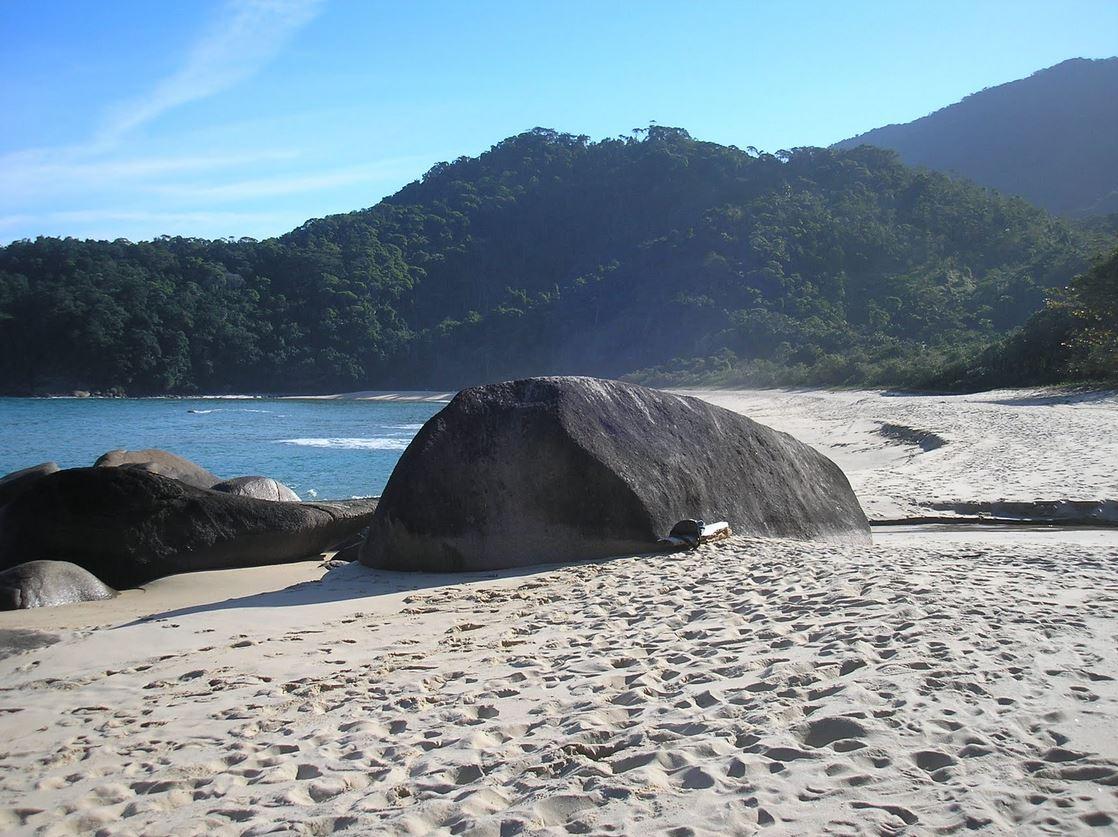 Praia Brava - Trindade - por Augusto Toledo