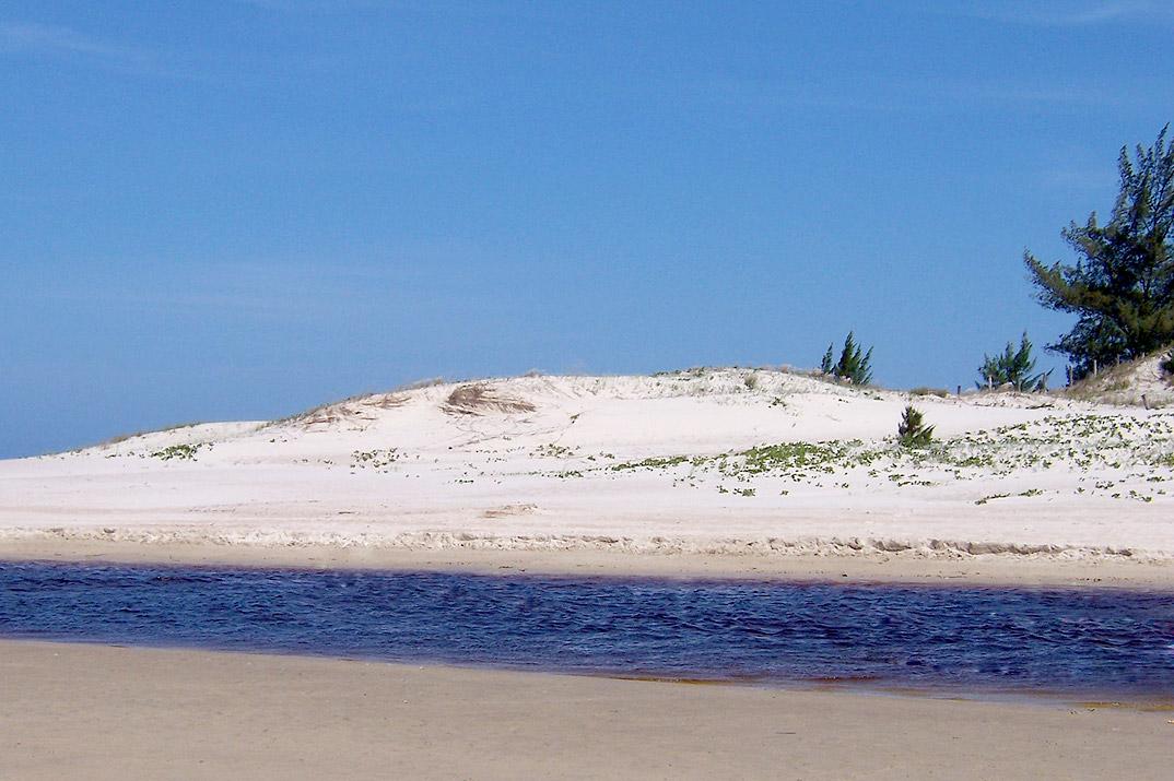 Praia da Ferrugem - Garopaba - por docurapolida.wordpress.com