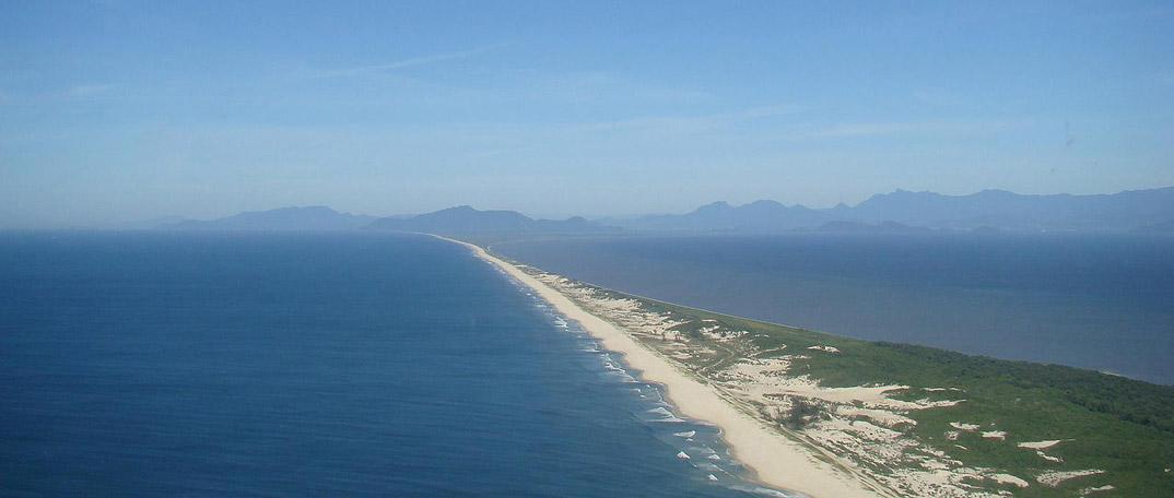 Praia de Marambaia - Rio de Janeiro - por precisodeferias