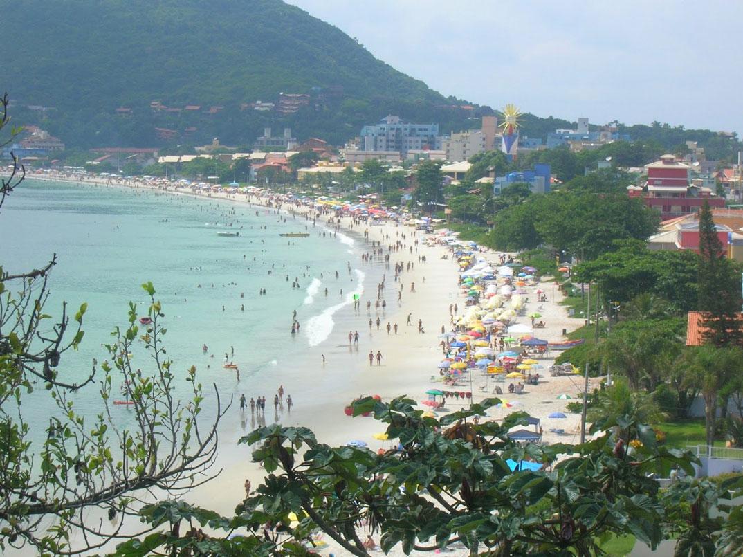 Praia de Bombinha - Bombinhas – SC - por Elena-Yokoyama