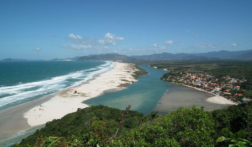 Praias da Guarda do Embaú - SC - por Harley-Hennich