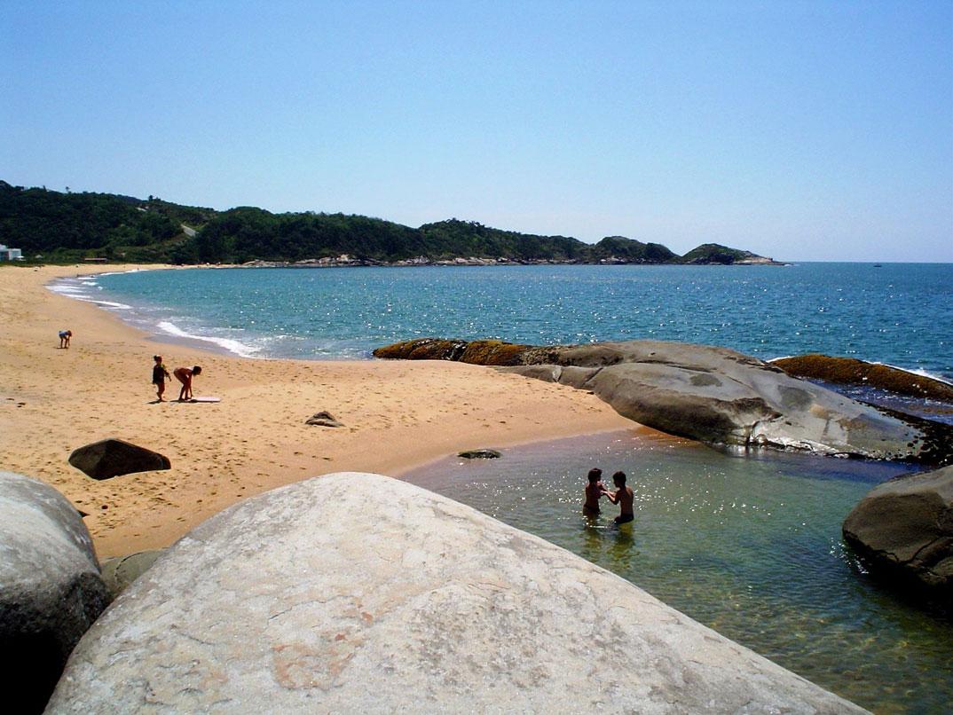 Praias de Balneário Camburiu – SC - por alestaleiro